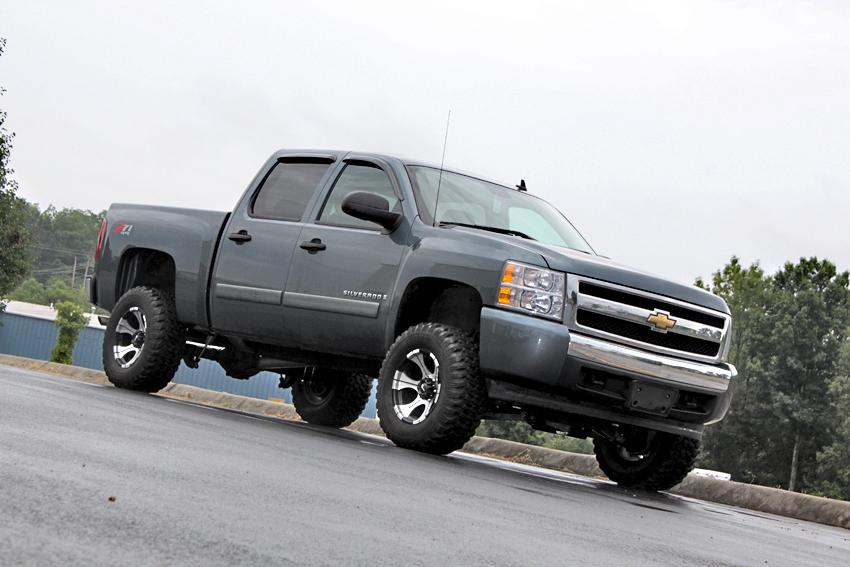 SilveradoSierra com     Questions about 4 quot  or 5 quot  lift  33X12 50 tires